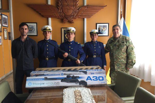 20191025 Donacion de rifles (3)