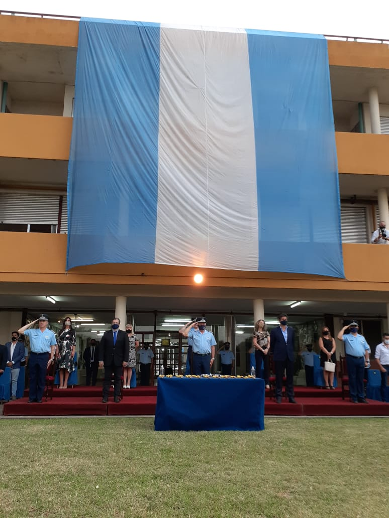 Entrega de Couteaux, Ascensos y Cambio de Abanderados y Escoltas de las Banderas Nacional y Provincial